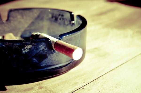 Astuces trucs contre les odeurs de cigarettes et tabac